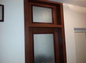 Стъклена интериорна врата с надстройка